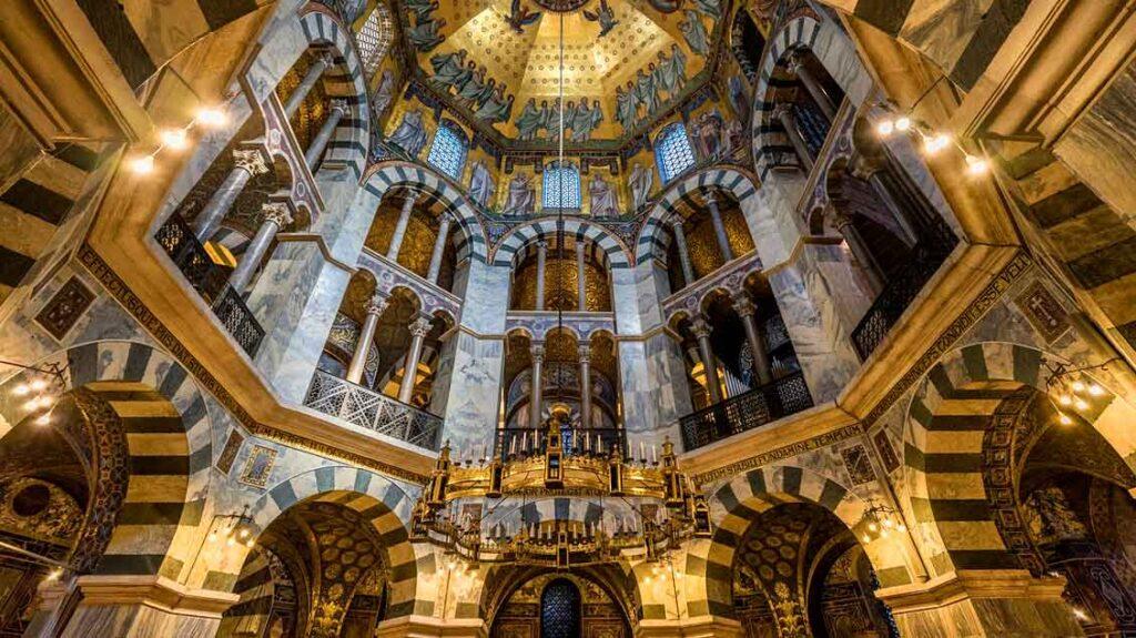 Aachen_Dom-Kuppel
