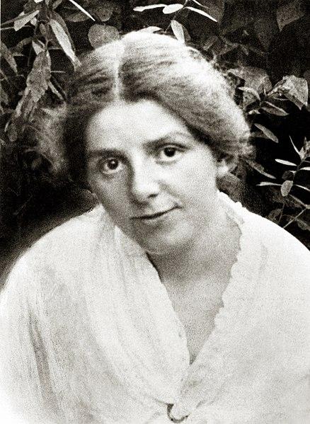 https://commons.wikimedia.org/wiki/File:Paula_Modersohn-Becker1.jpg