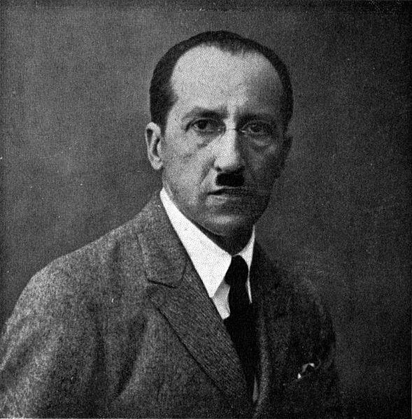 https://commons.wikimedia.org/wiki/File:Piet_Mondrian_2.jpg