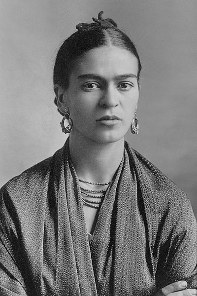 https://commons.wikimedia.org/wiki/File:Frida_Kahlo,_by_Guillermo_Kahlo.jpg